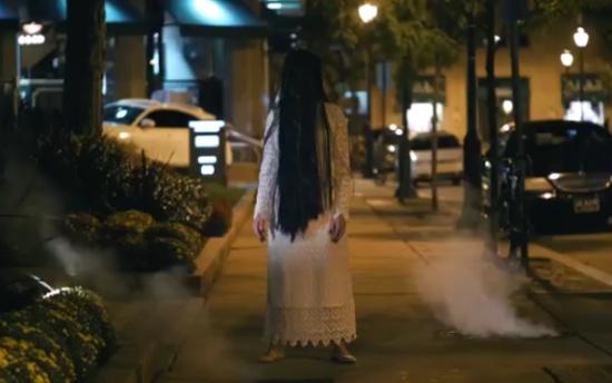 Horror Girl Prank On Pedestrians