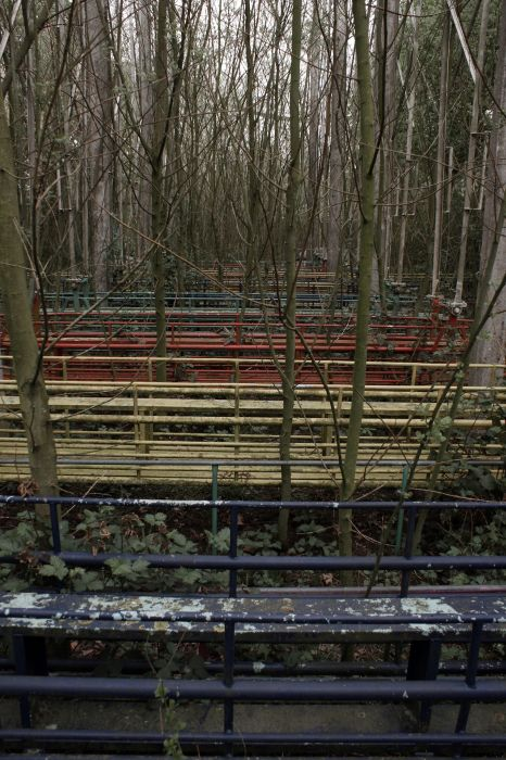 Haunting Photos Of An Abandoned Park (22 pics)