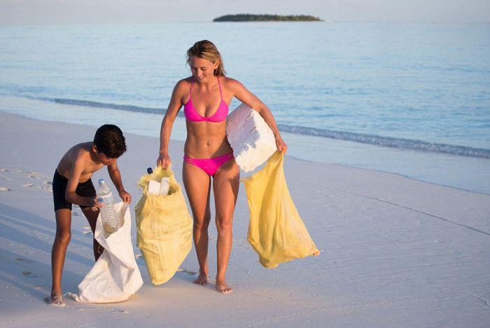 Welcome To Trash Island (13 pics)
