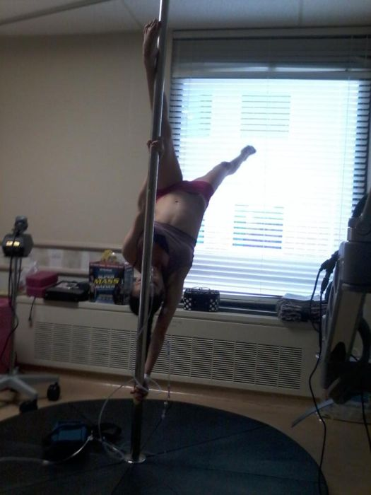 Pole Dancer With 25% Lung Function (6 pics)