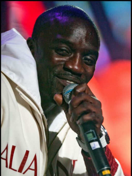 Akon Is The New Bubble Boy (3 pics)