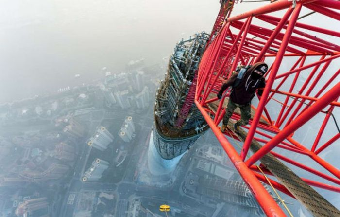 Amazing Views From The Highest Places On Earth (30 pics)
