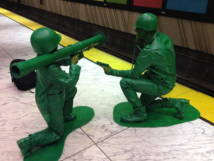 Amazing Homemade Army Men Costumes (7 pics)