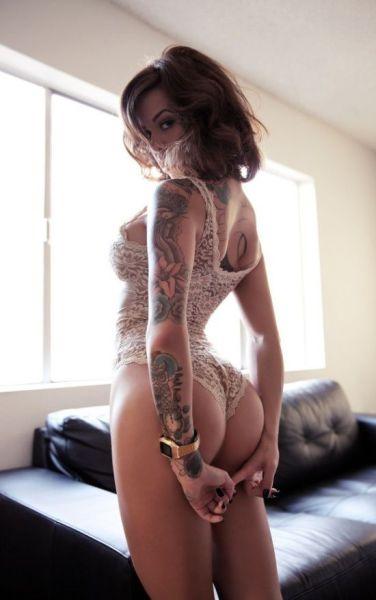 Tattooed Chicks Make Art Sexy (51 pics)
