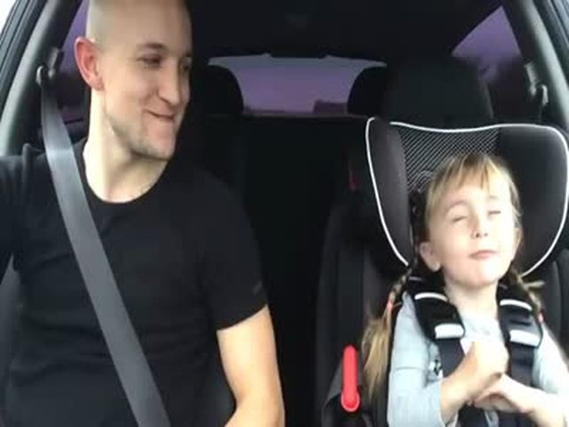 Dad and Daughter Singing Let It Go from Frozen