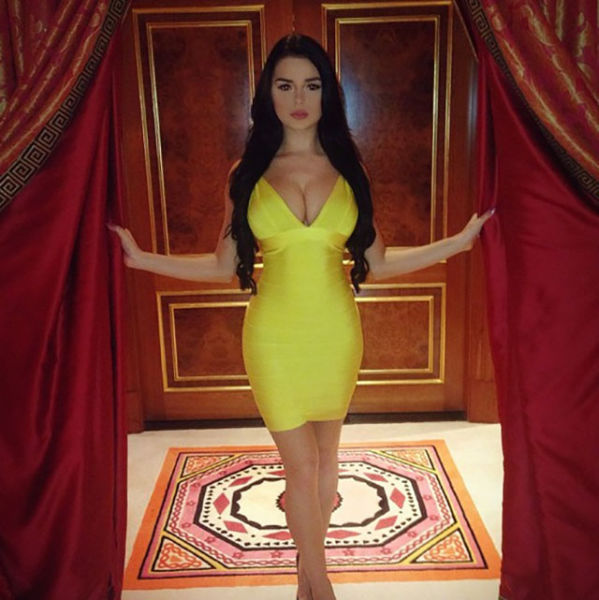 Demi Rose Is A Model You Should Keep Your Eyes On (28 pics)