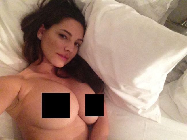 Kelly Brook Leaked Nude Photos (26 pics)