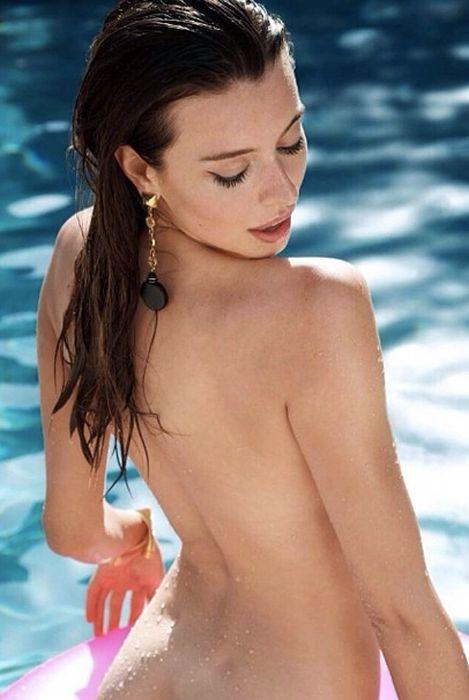 Meet Roxanna June Playboy's Miss October (32 pics)
