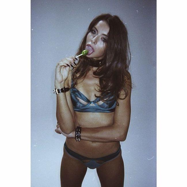 Roxanna Nude 69
