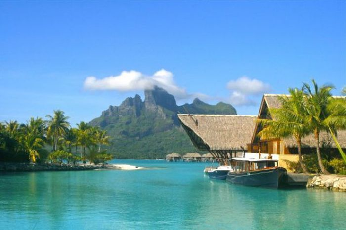 Bora Bora Is The Place To Be This Time Of Year (21 pics)