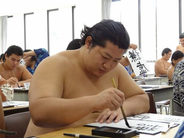 This Is What it Takes To Become A Sumo Wrestler (8 pics)