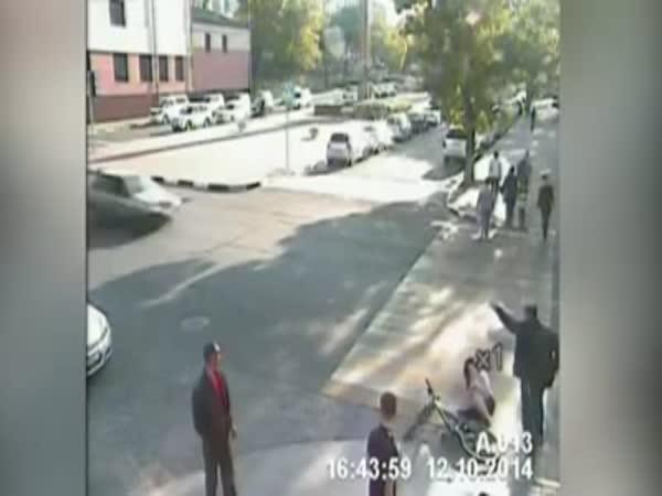 Man Saves Cyclist
