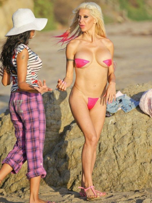 Angelique Morgan In Pink Silicone (17 pics)