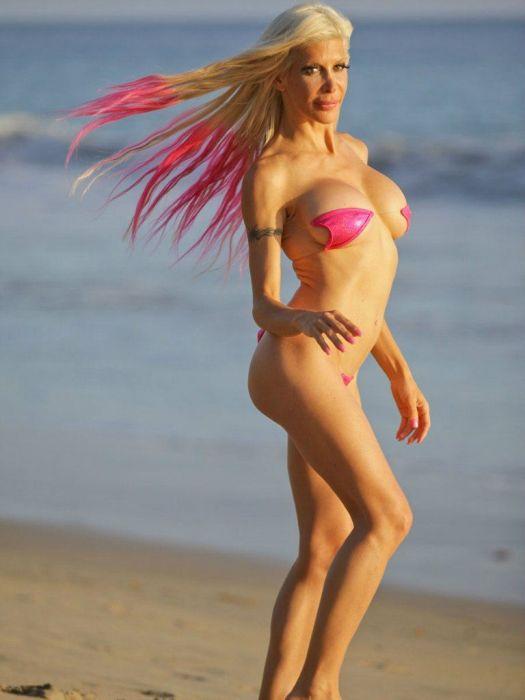 Angelique Morgan In Pink Silicone (17 pics)
