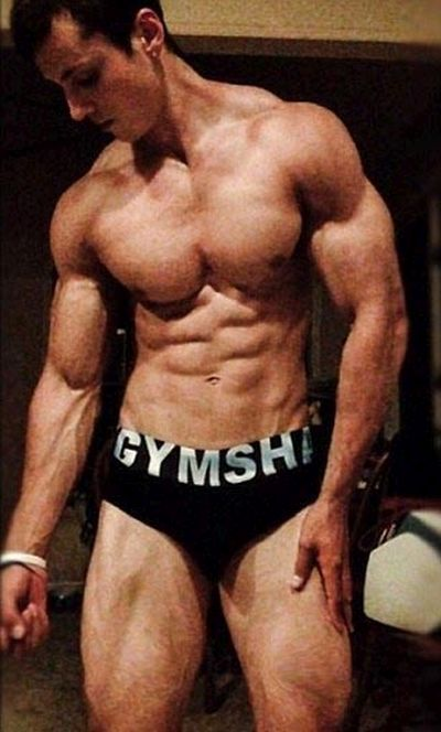 From Lymphoma Patient To Bodybuilder (12 pics)