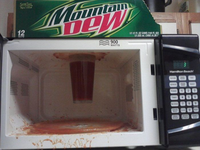 When Using Your Microwave Goes Wrong (25 pics)