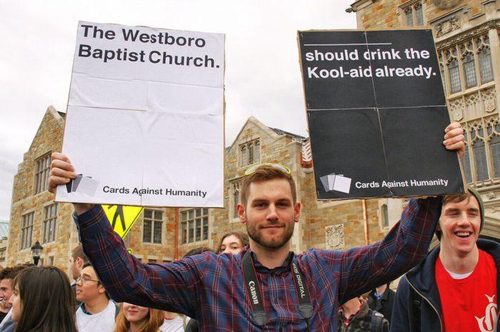Creative Ways To Protest (24 pics)