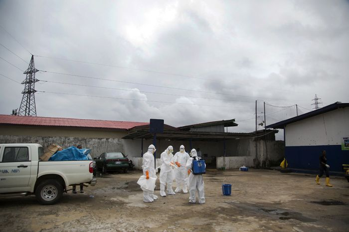 How Ebola Is Quickly Changing The World (40 pics)