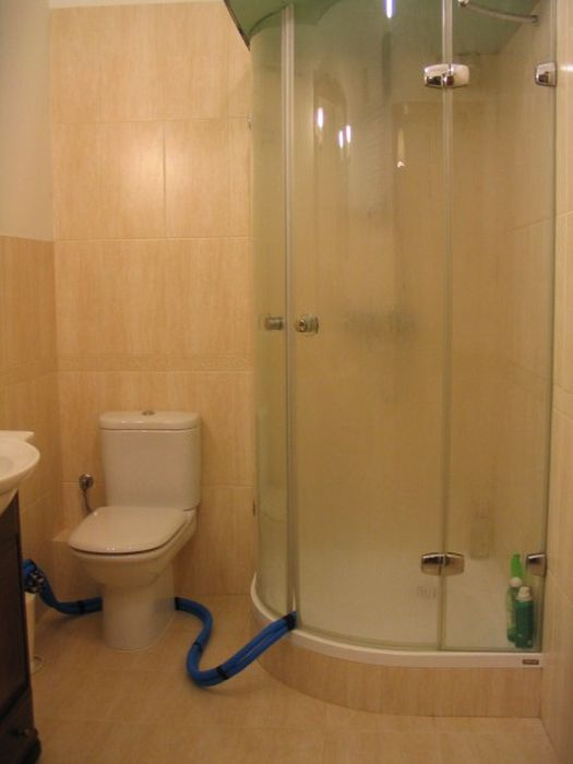 The Easy Way To Build A Sauna In Your Bathroom (17 pics)