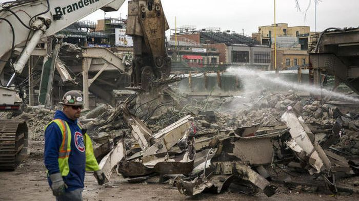 Wrigley Field Is Getting Torn Apart And Put Back Together (16 pics)