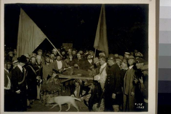 Candid Photos From The Bohemian Grove Meeting (15 pics)