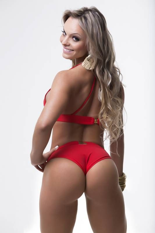 Brazilian Miss Bum Bum Contestant Poses At The Eiffel Tower (9 pics)