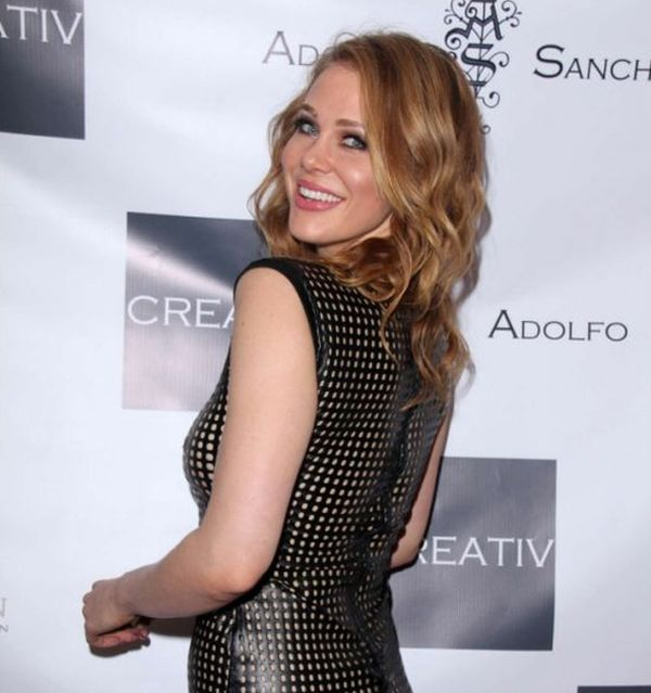 Maitland Ward Exposes Herself In Her New Dress (10 pics)