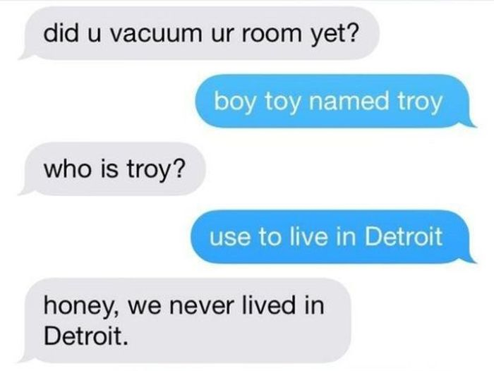 Having A Conversation With Mom Using Only Lyrics From 'Anaconda' (4 pics)