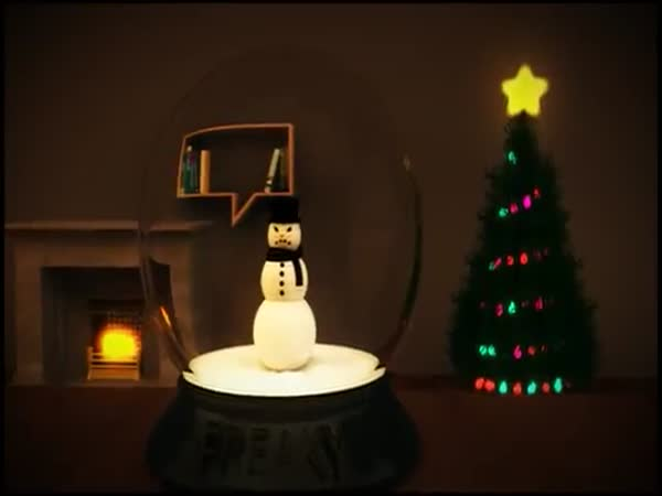 Scary Snowman Halloween Prank