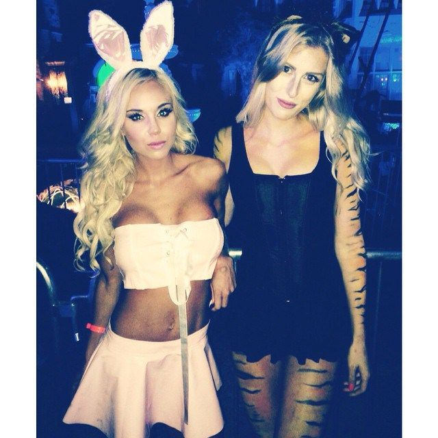The Best Pics From The 2014 Halloween Party At The Playboy Mansion (58 pics)