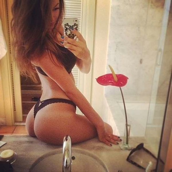 Girls That Are Big On Sex Appeal (50 pics)