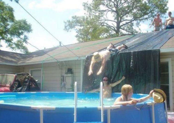 These People Are Strong Candidates For Darwin Awards (29 pics)