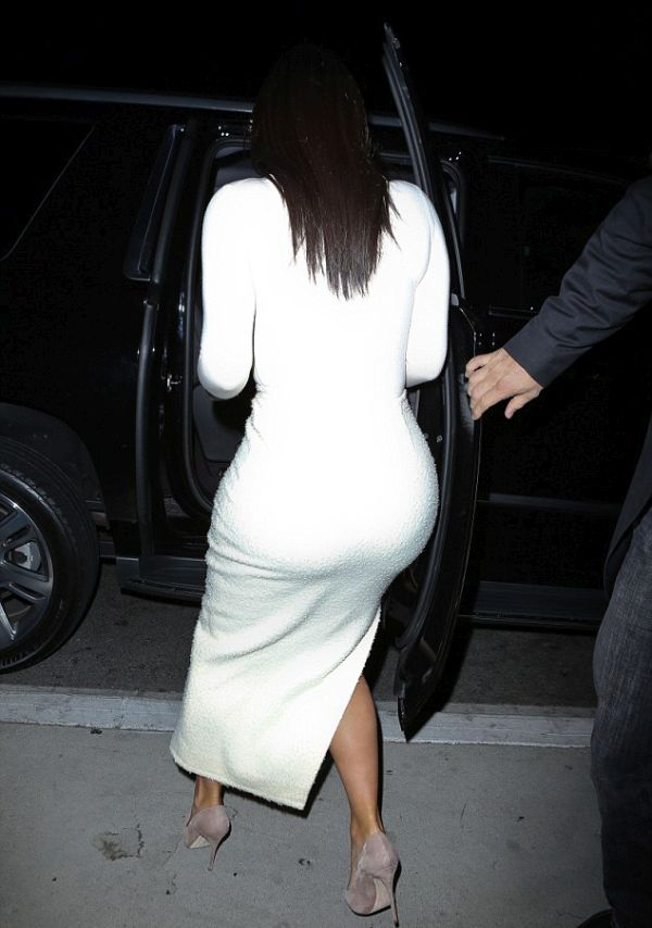 Kim Kardashian's White Dress Shows Off What You Want To See (6 pics)