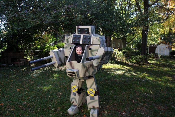 MechWarrior Halloween Costume (11 pics)