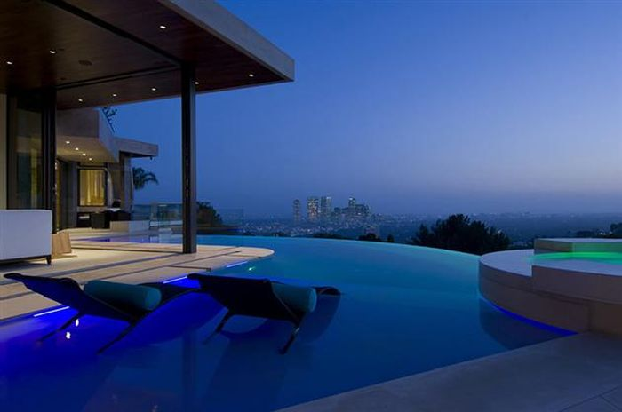 This Is The Most Incredible Bachelor Pad In Los Angeles (32 pics)