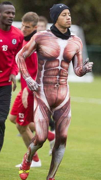 How Soccer Players Get Punished (5 pics)