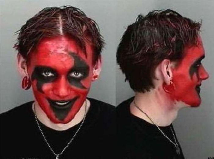 Halloween Mugshots (23 pics)