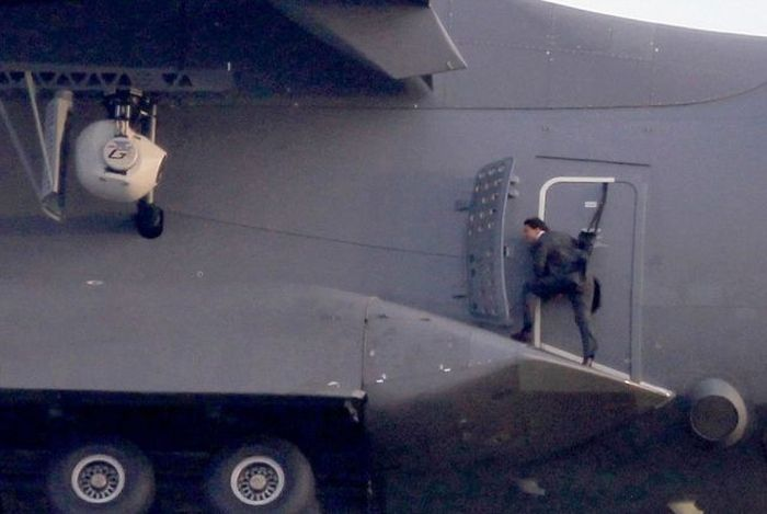 Tom Cruise Performs Death Defying Stunt For New Mission Impossible (18 pics)