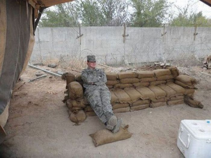Resting Soldiers (50 pics)