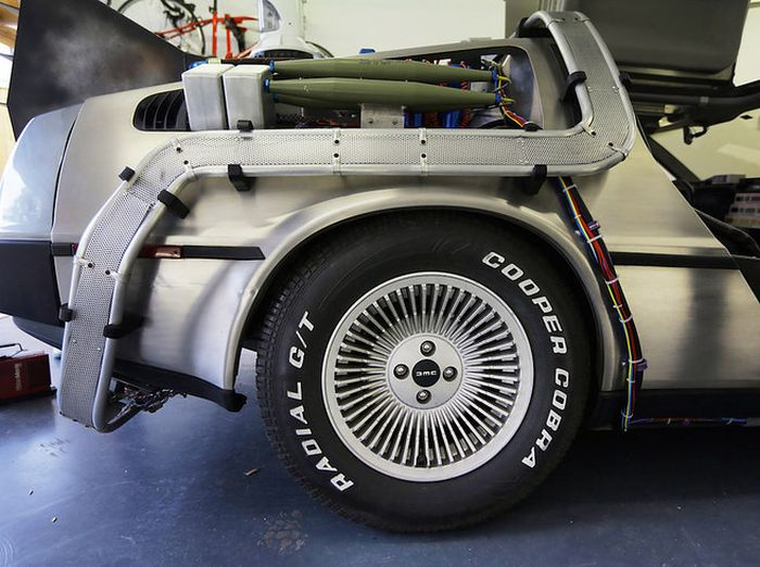 "This Real Life ""Back To The Future"" DeLorean Is A Dream Come True (10 pics)"