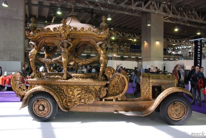 Badass Hearses Help You Leave This World In Style (18 pics)
