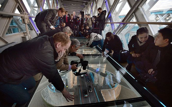 The New Tower Bridge Walkway In London Has An Amazing View (12 pics)