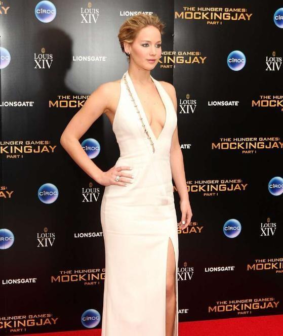 Jennifer Lawrence Nip Slip in London (3 pics)