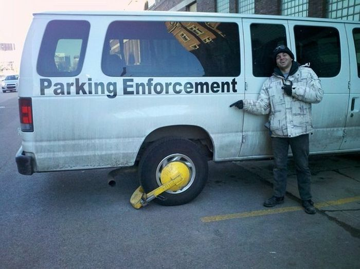 These Are The Most Ironic Photos Of All Time (25 pics)