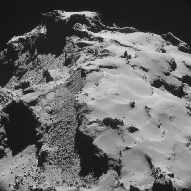 The Rosetta Probe Finally Lands On A Comet (23 pics)