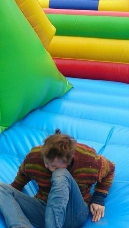 Jumping In A Bounce House Fail (4 pics)