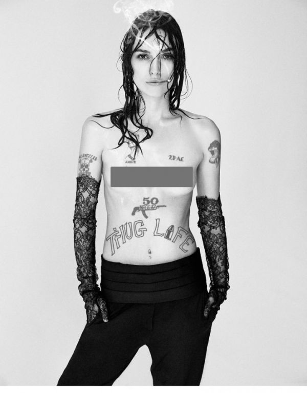 Keira Knightley Posing Topless Is The Internet's Newest Meme (9 pics)