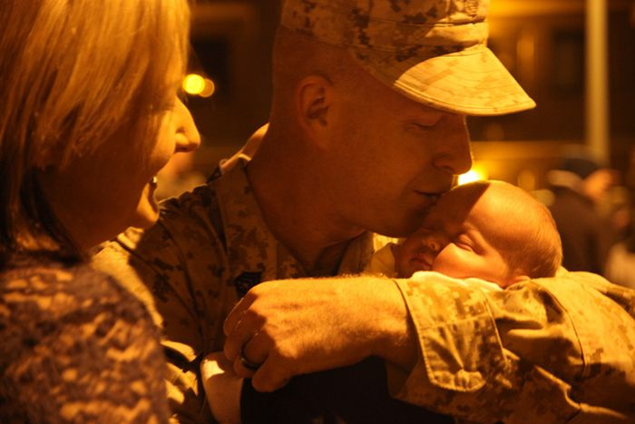 Military Men Meet Their Children For The First Time (48 pics)