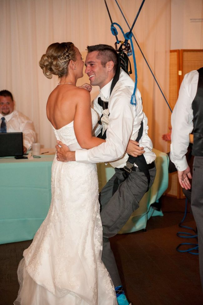 Paralyzed Groom Dances With His Bride (8 pics)