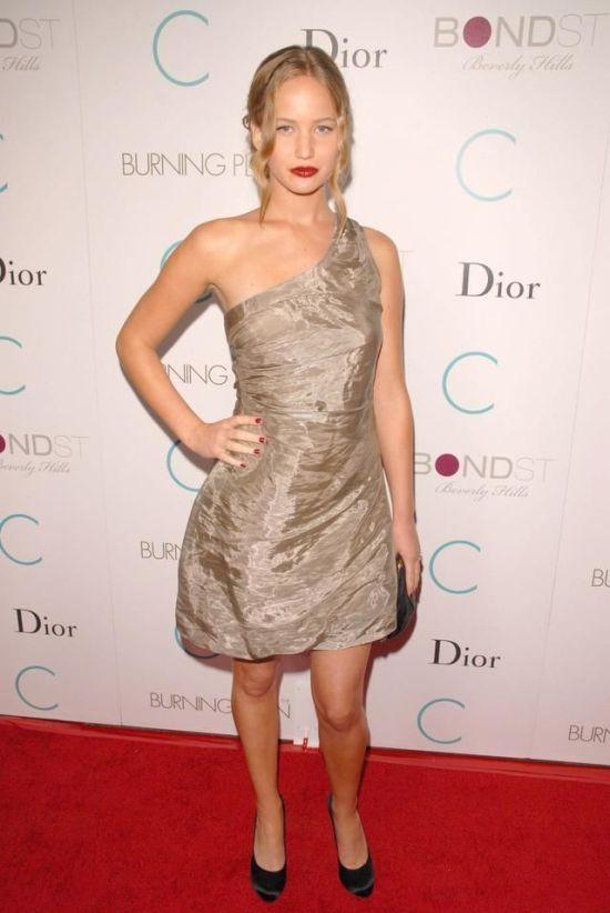 Jennifer Lawrence And Her Wild Wardrobe (38 pics)